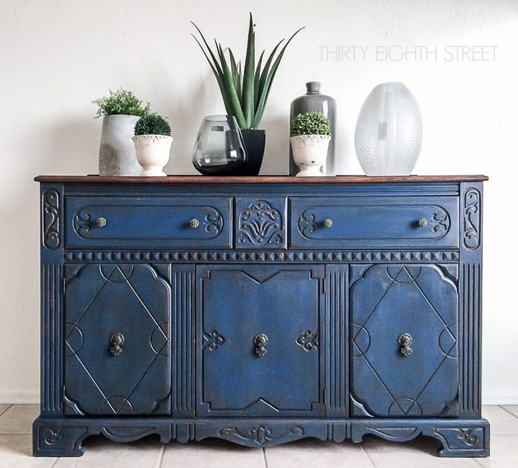 Popular Distressed Furniture Ideas To Get A Vintage Accent 11