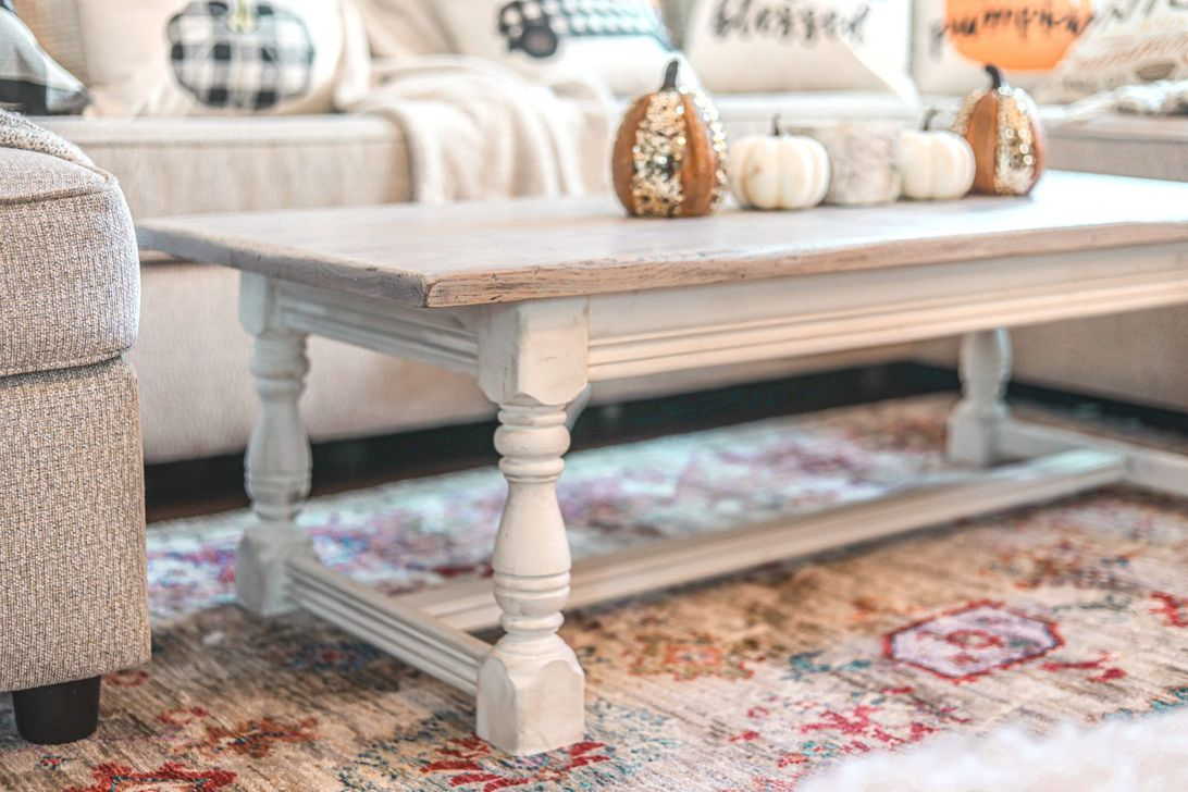Popular Distressed Furniture Ideas To Get A Vintage Accent 16