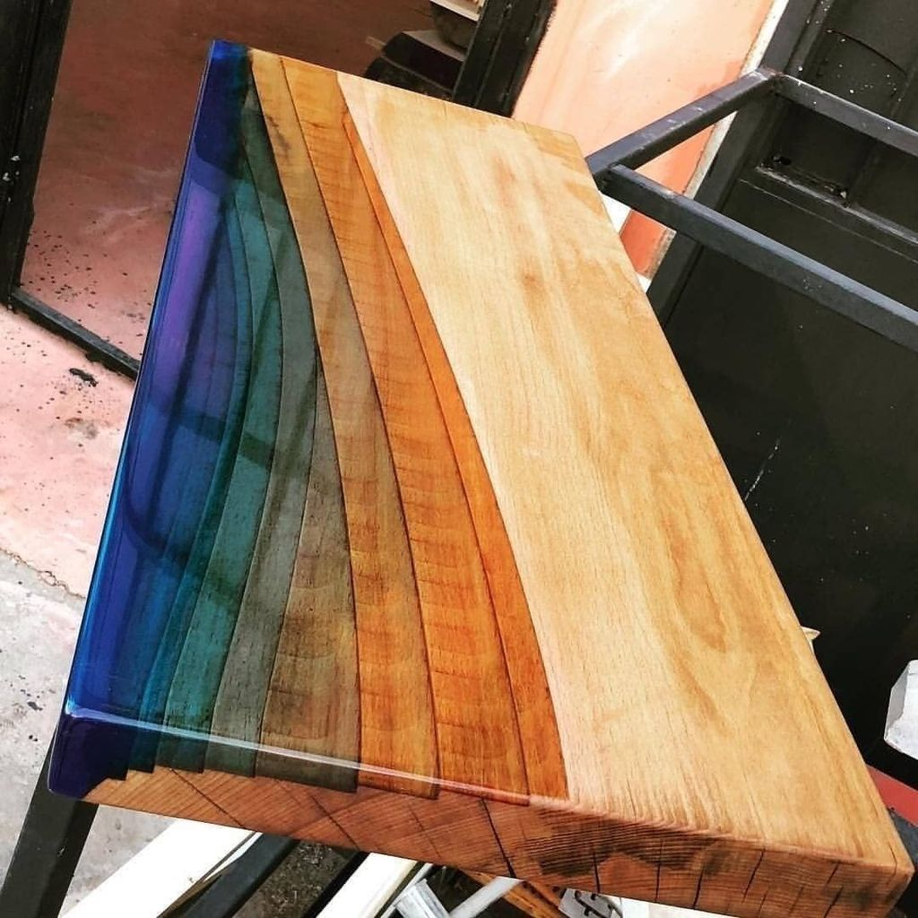 Stunning Resin Wood Table Design Ideas You Will Love 21