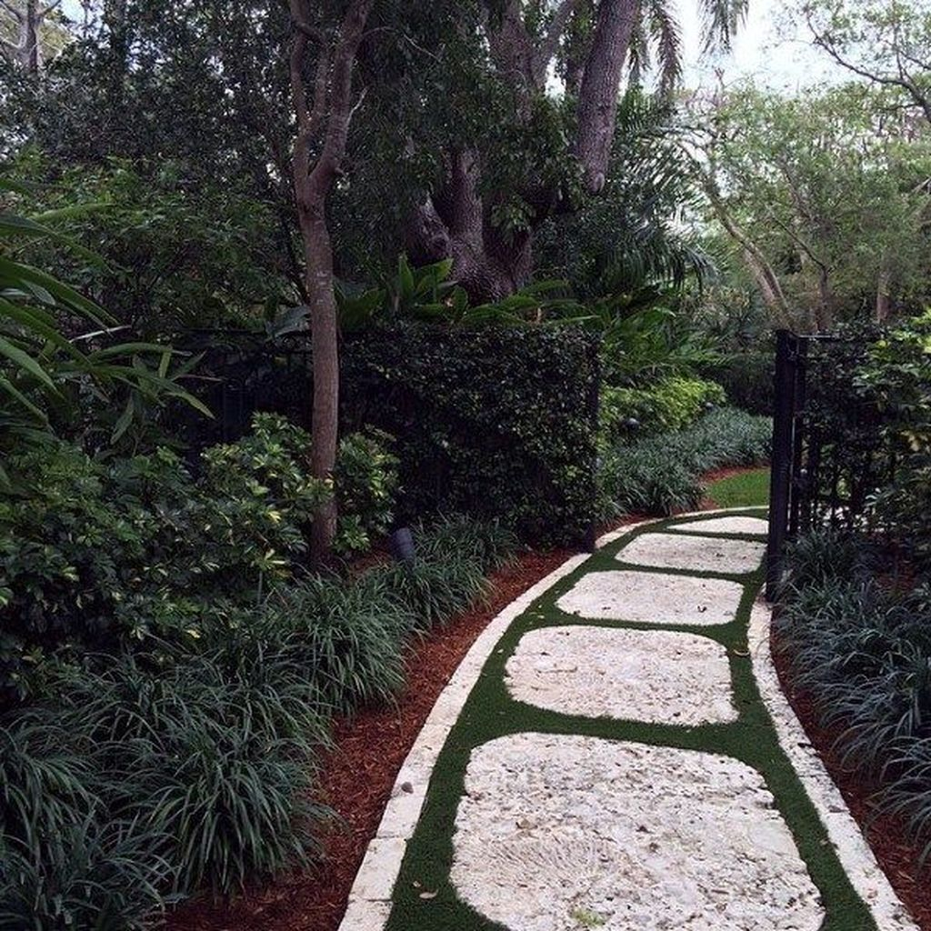 Stunning Stepping Stones Pathway Design Ideas 01
