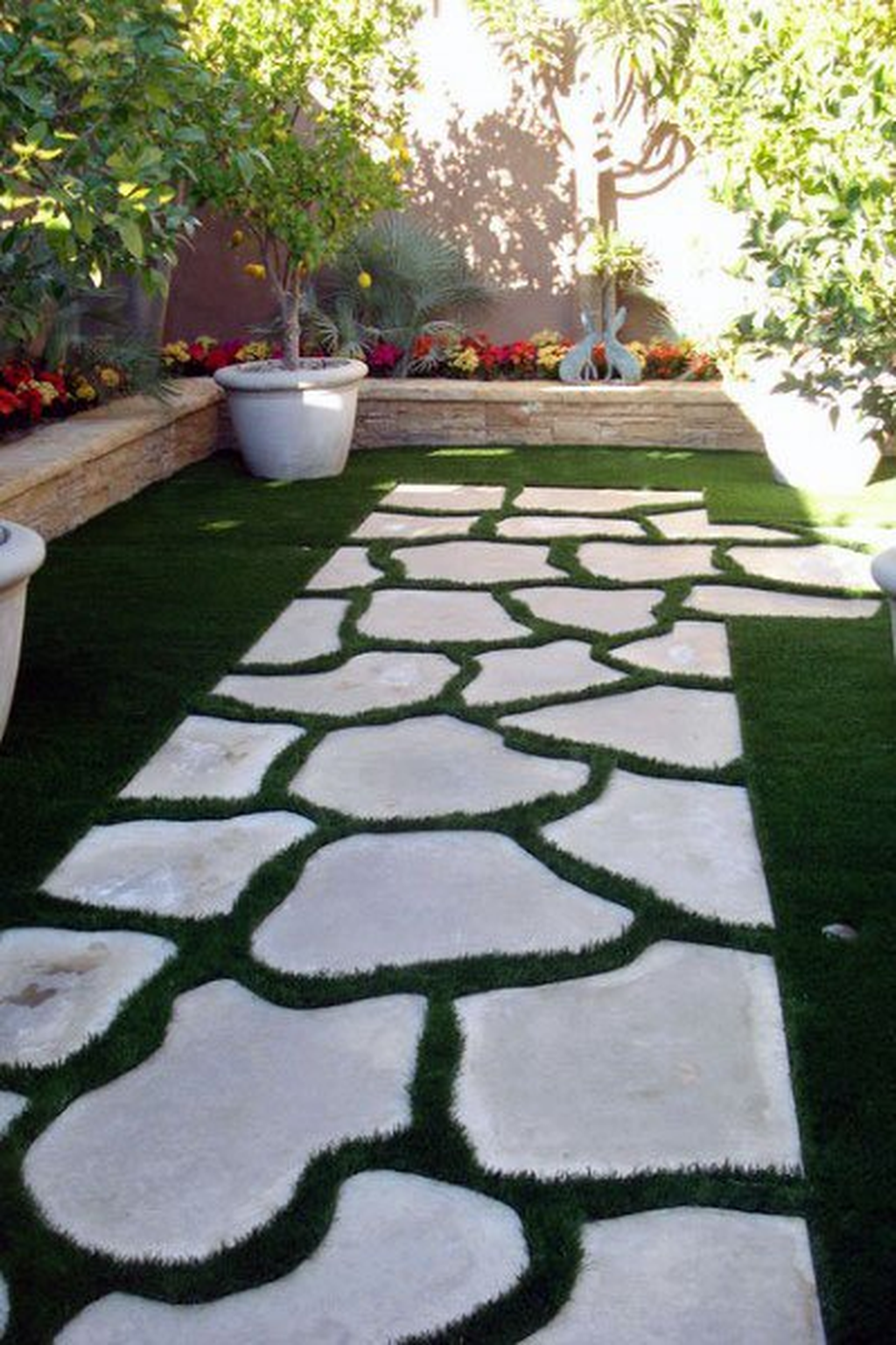 Stunning Stepping Stones Pathway Design Ideas 10