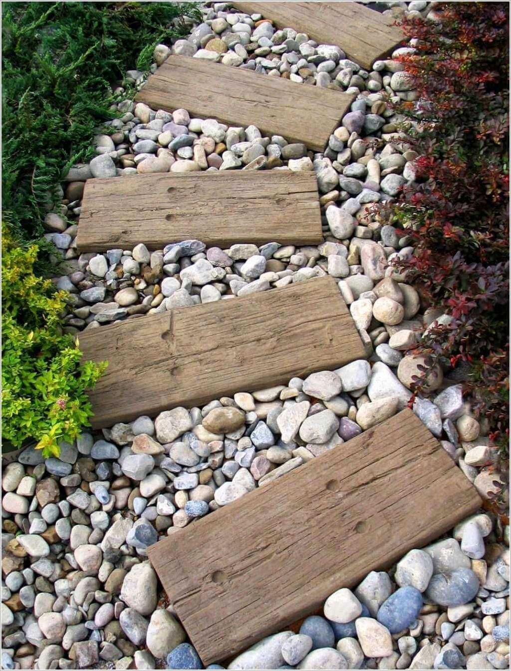 Stunning Stepping Stones Pathway Design Ideas 18