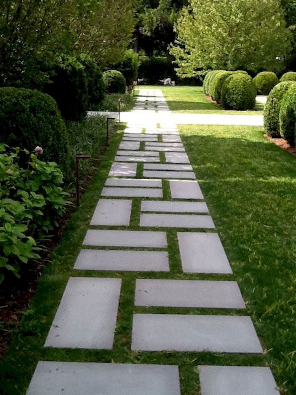 Stunning Stepping Stones Pathway Design Ideas 22