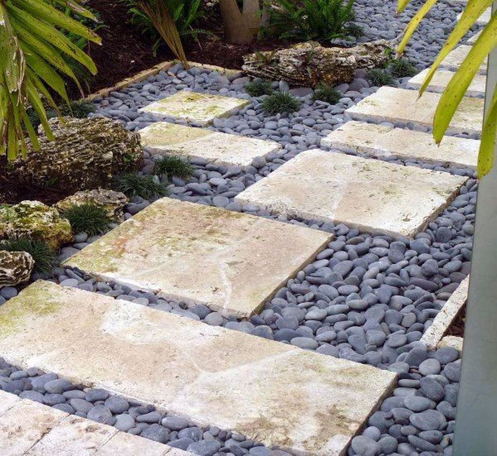 Stunning Stepping Stones Pathway Design Ideas 29