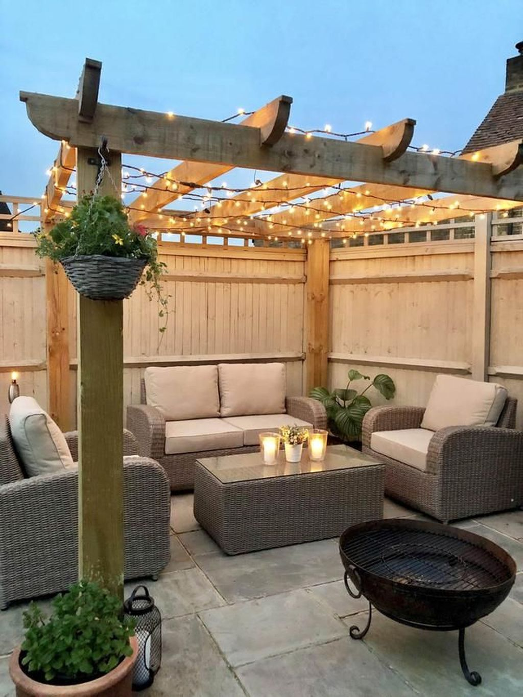 Admirable Cozy Patio Design Ideas To Relaxing On A Sunny Day 09