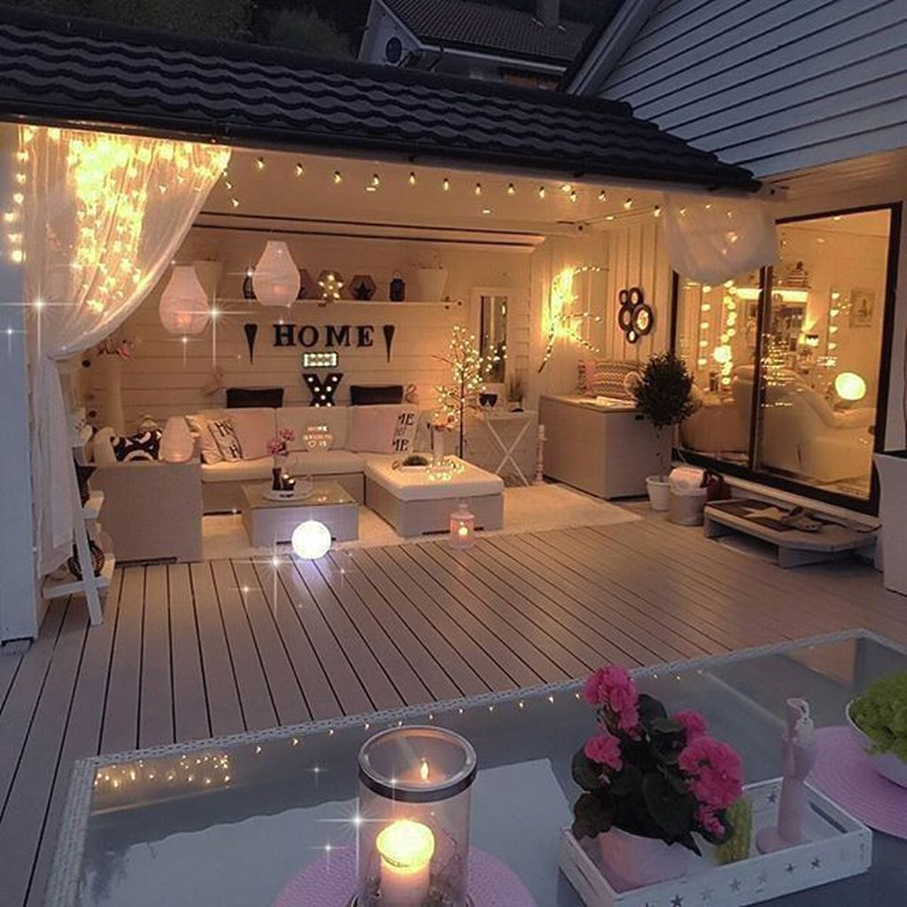 Admirable Cozy Patio Design Ideas To Relaxing On A Sunny Day 12