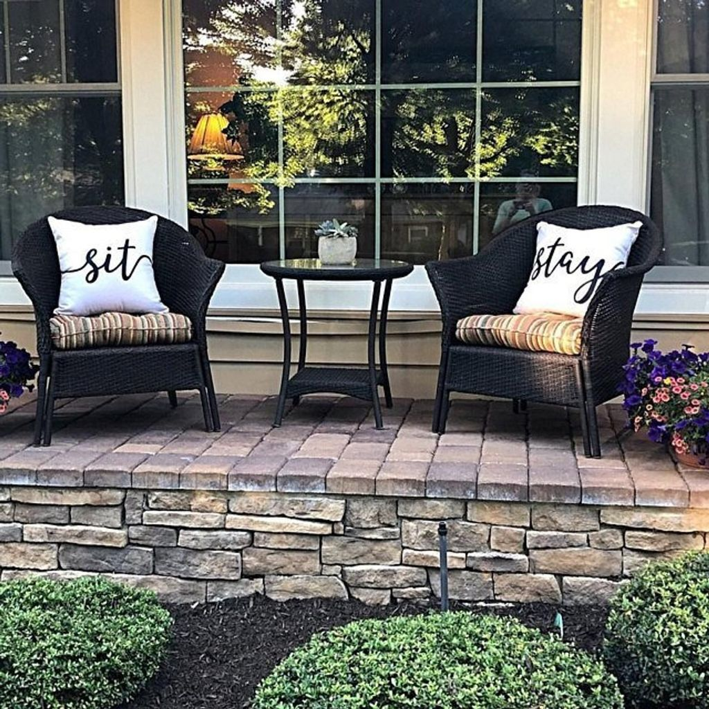 Admirable Cozy Patio Design Ideas To Relaxing On A Sunny Day 19