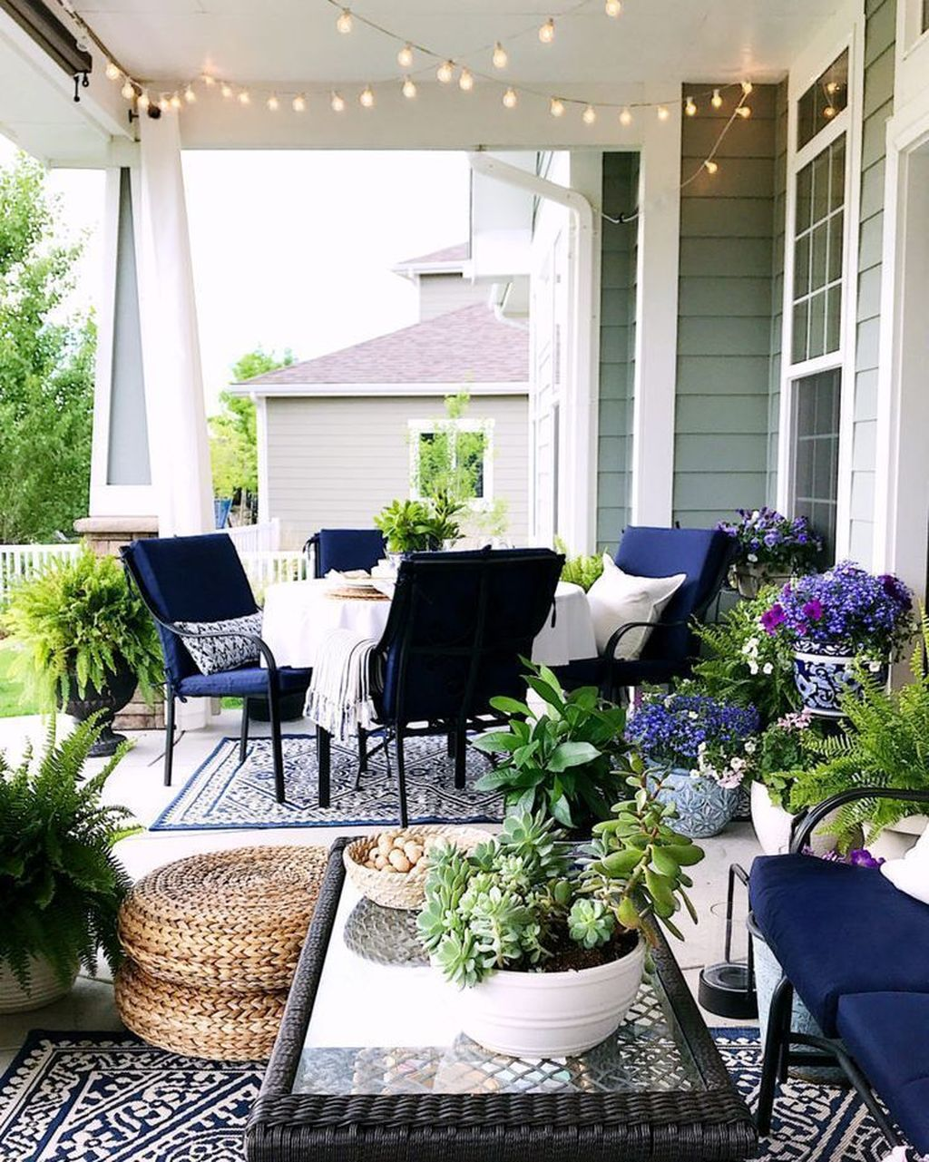 Admirable Cozy Patio Design Ideas To Relaxing On A Sunny Day 22