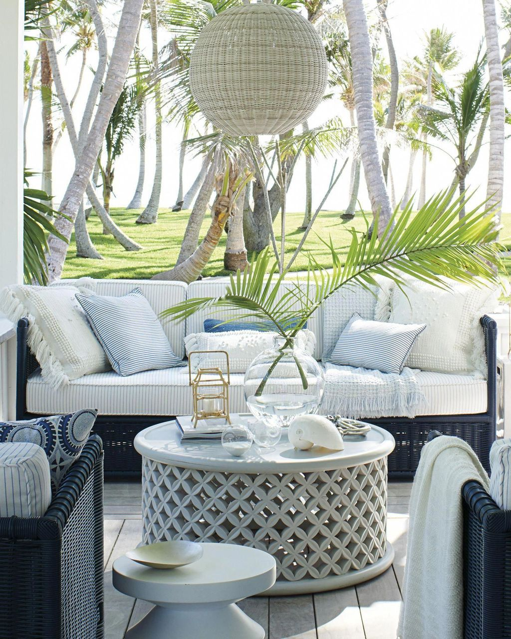 Admirable Cozy Patio Design Ideas To Relaxing On A Sunny Day 30