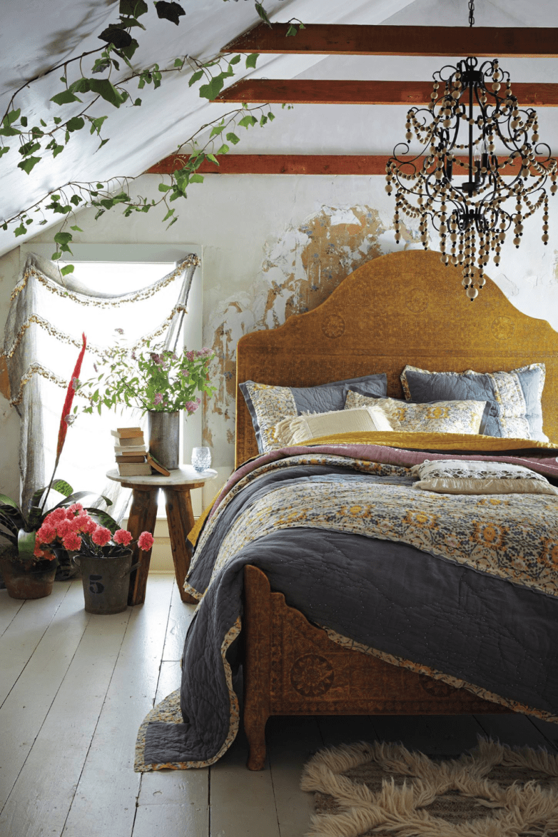 Awesome Attic Bedroom Decorating Ideas You Will Love 01