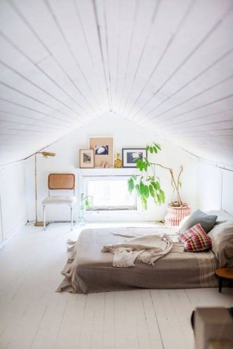 Awesome Attic Bedroom Decorating Ideas You Will Love 33
