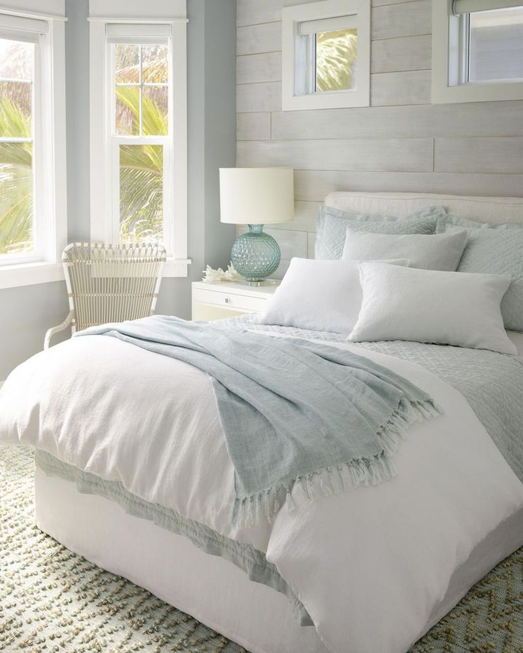 Lovely Spring Bedroom Decor Ideas Trending This Year 26