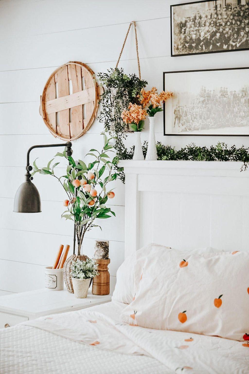 Lovely Spring Bedroom Decor Ideas Trending This Year 27