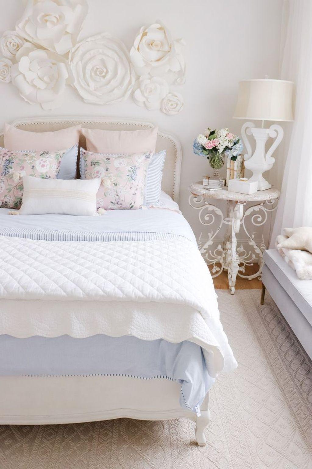 Lovely Spring Bedroom Decor Ideas Trending This Year 36