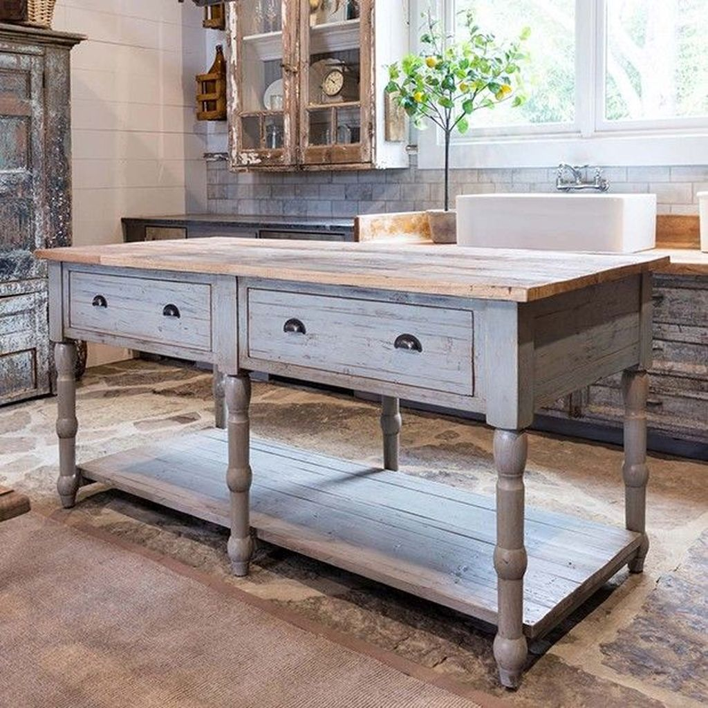 Stunning Farmhouse Kitchen Island Design Ideas 14
