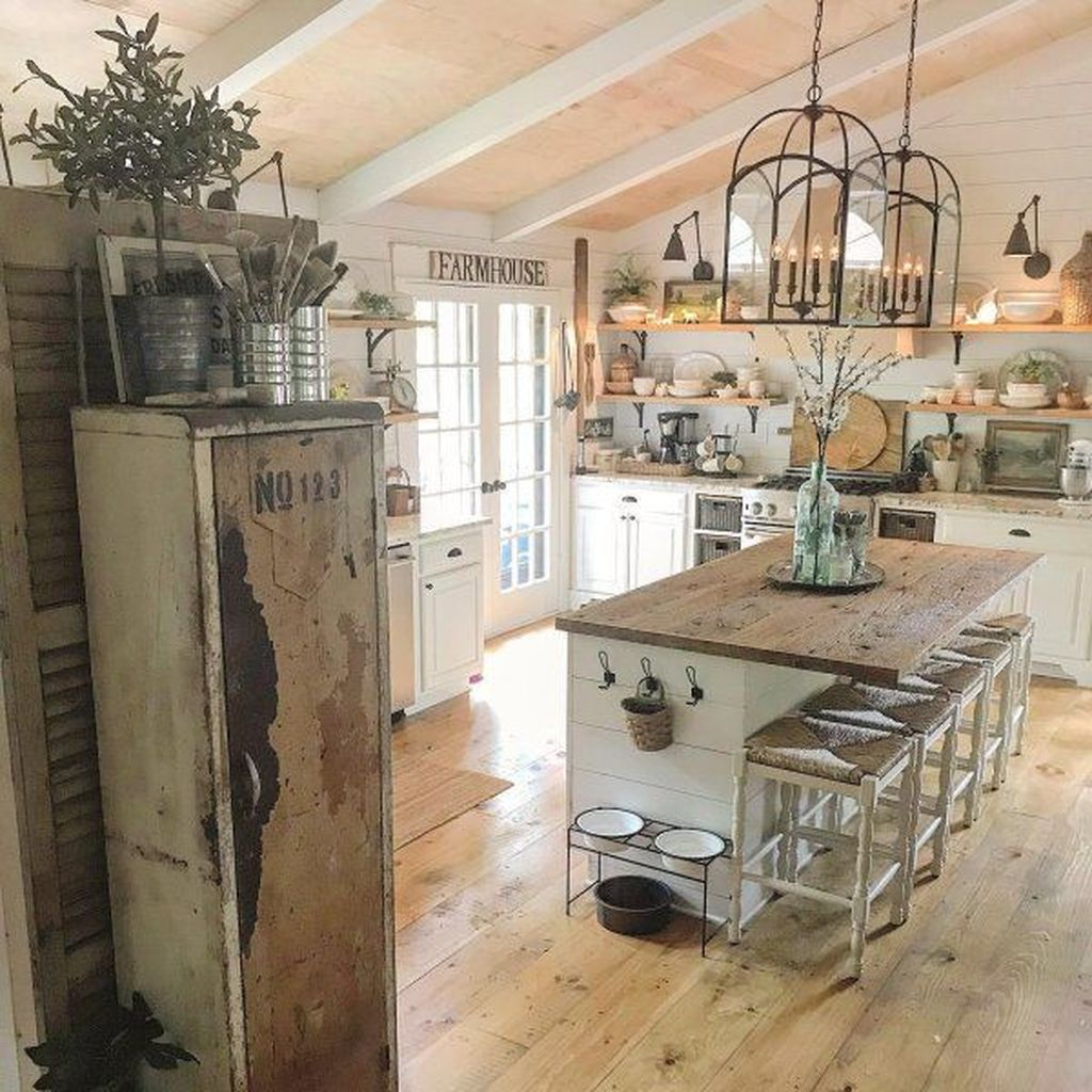 Stunning Farmhouse Kitchen Island Design Ideas 31