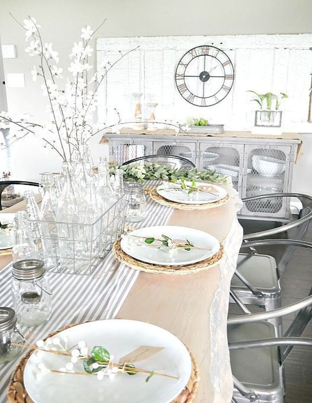 The Best Farmhouse Style Spring Tablescape Decor Ideas 04