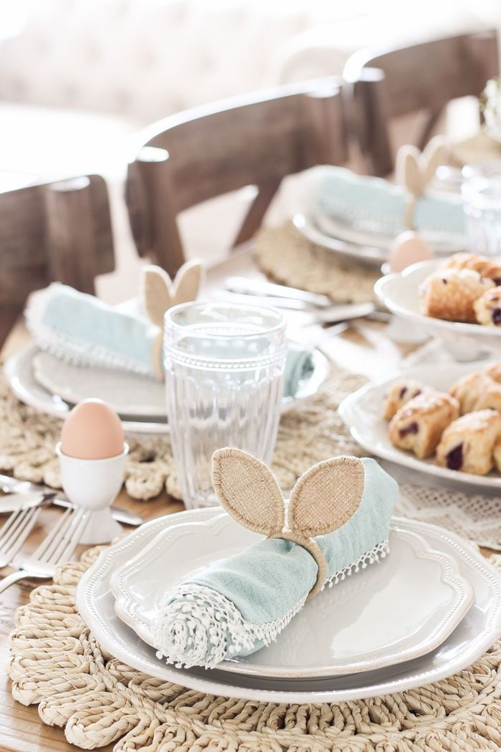 The Best Farmhouse Style Spring Tablescape Decor Ideas 06