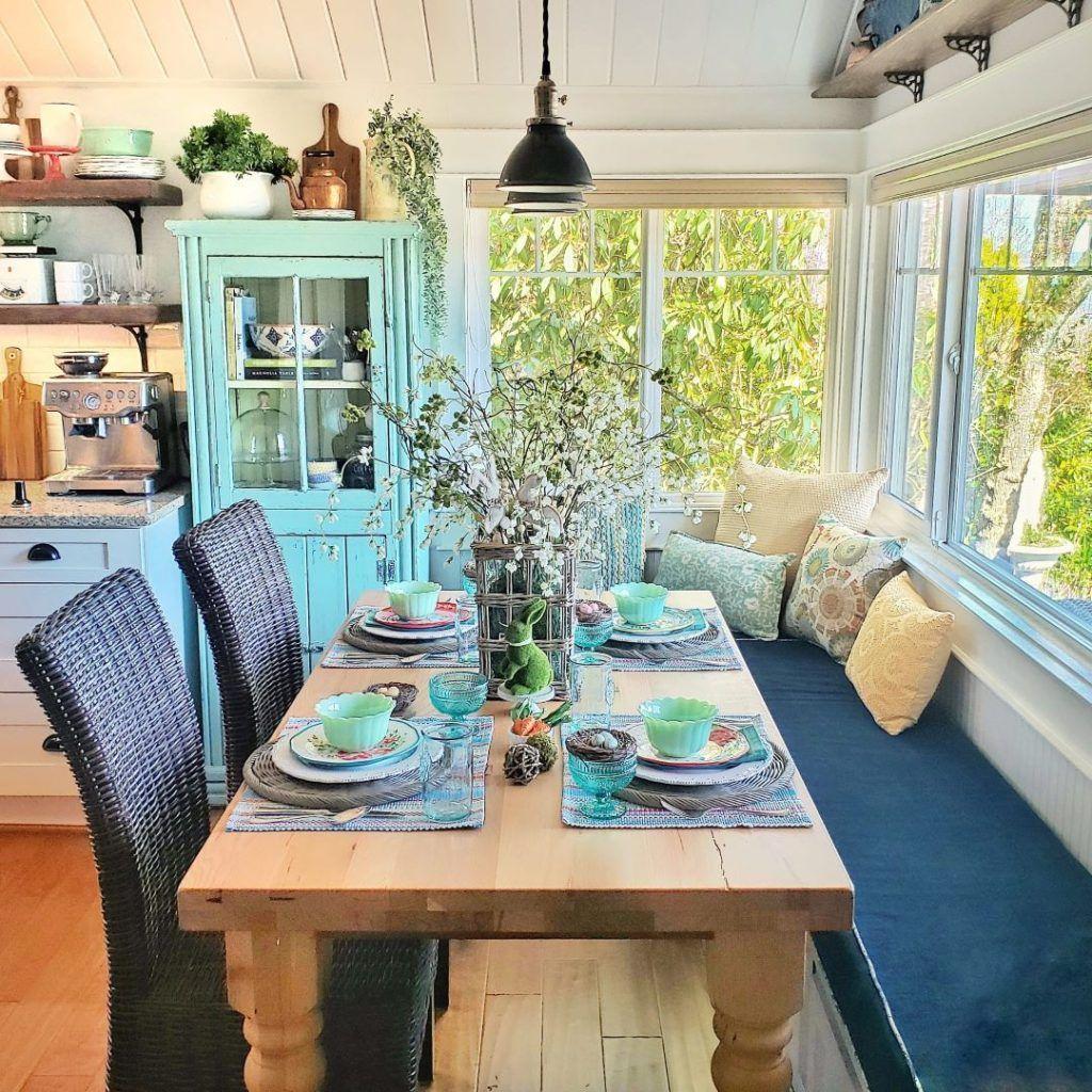 The Best Farmhouse Style Spring Tablescape Decor Ideas 26
