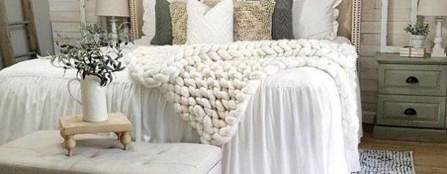 DIY Farmhouse Bedroom Decor