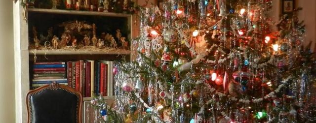 Old Fashioned Christmas Decorations