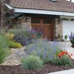 Texas Style Front Yard Landscaping Ideas 30