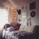 Simple and Comfortable Bedroom Design Ideas 19