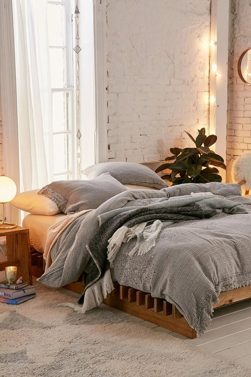 Simple and Comfortable Bedroom Design Ideas 42 - Hoommy.com on Comfortable Bedroom Ideas  id=27879