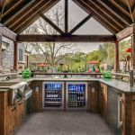Awesome Yard and Outdoor Kitchen Design Ideas 1