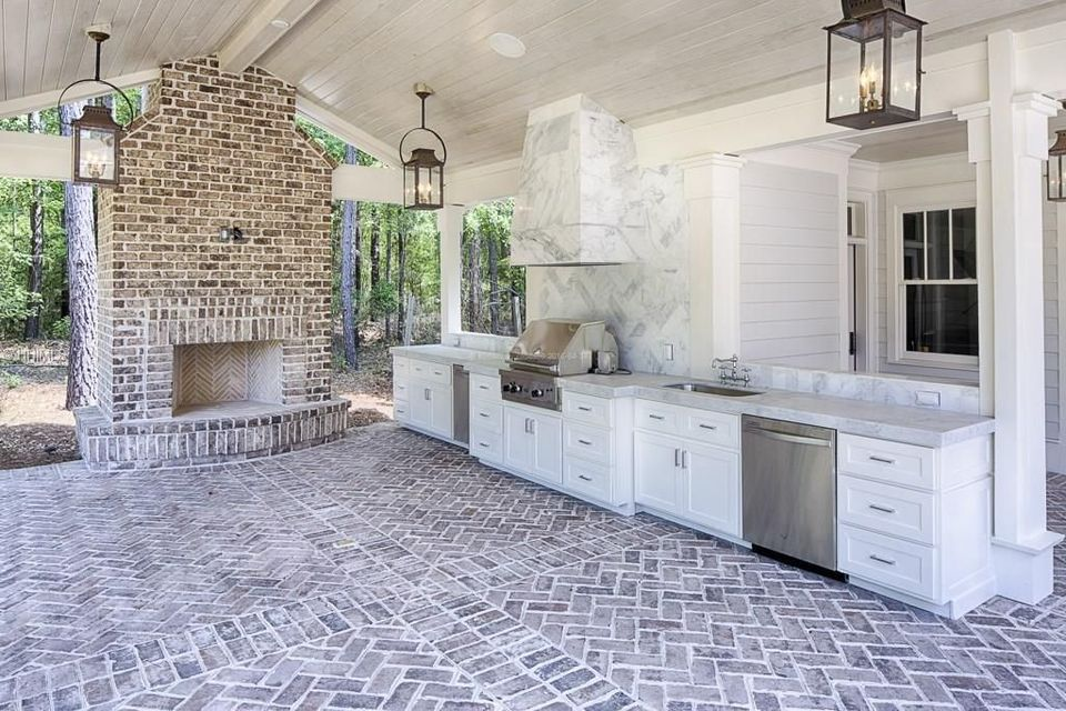 Awesome Yard and Outdoor Kitchen Design Ideas 5 - Hoommy.com on Covered Outdoor Kitchen With Fireplace id=63085