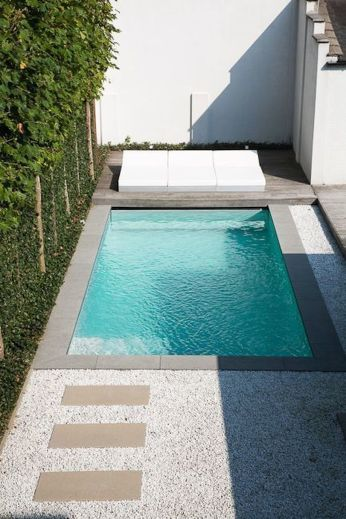 Awesome Small Pool Design for Home Backyard 13