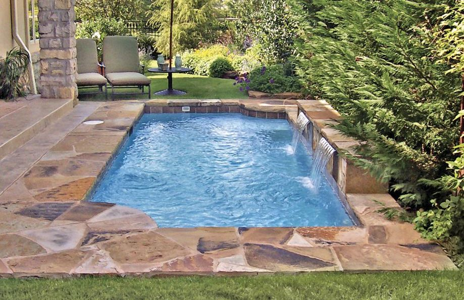 Awesome Small Pool Design for Home Backyard 30 - Hoommy.com