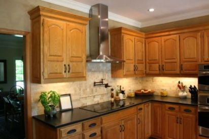 Elegant Kitchen Light Cabinets with Dark Countertops 29