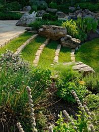 That is How to Make Garden Steps on a Slope 16
