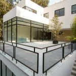 50 Incredible Glass Railing Design for Home Blacony 13