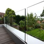 50 Incredible Glass Railing Design for Home Blacony 5