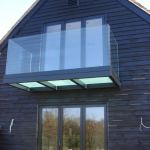 50 Incredible Glass Railing Design for Home Blacony 52