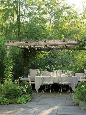 50 Rustic Backyard Garden Decorations 45
