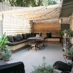 Cool Privacy Fence Wooden Design for Backyard 4
