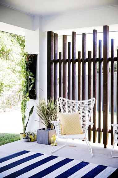 Cool Privacy Fence Wooden Design for Backyard 58