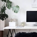 Inspiring Simple Work Desk Decorations and Setup 15