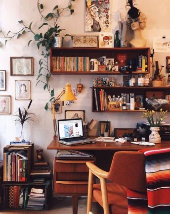 Inspiring Simple Work Desk Decorations and Setup 28