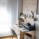 Inspiring Simple Work Desk Decorations and Setup 41