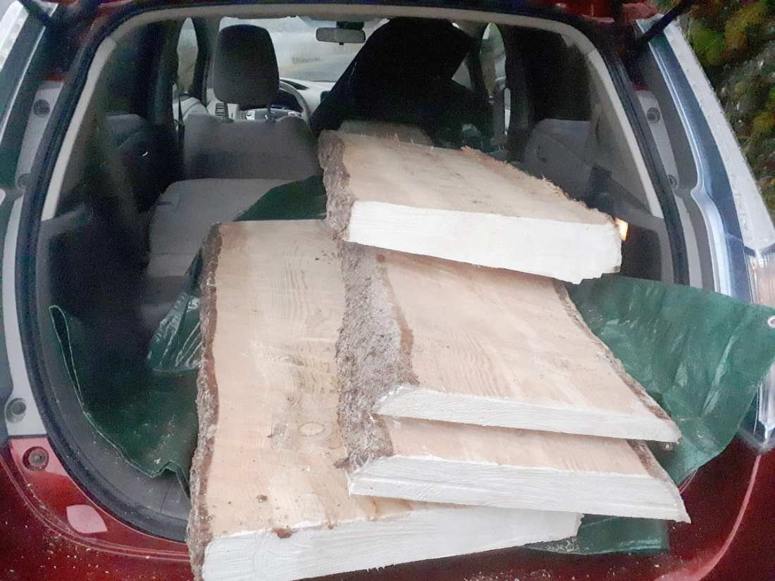 nissan leaf trunk capacity payload