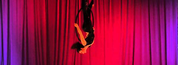 Aerial Hoop Dance Video: Hooper Captivates with Punctuation & Grace