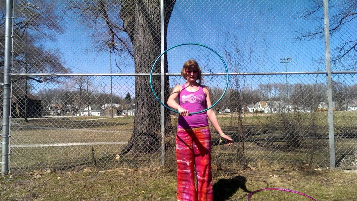 "Hula Hoop Tricks: ""Double Archer to Fold"""
