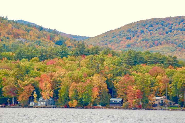 fall foliage on Lake Winnipesaukee
