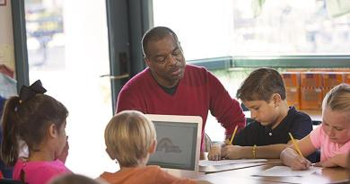 Celebrate National Reading Month with LeVar Burton and Reading Rainbow.