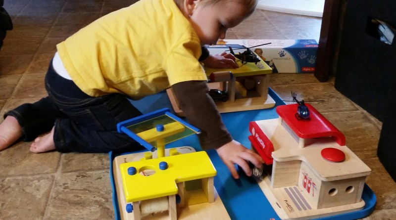 Messmatz Creativity Mat from PlaSmart Makes for Easy Cleanup and Saves Your Sanity - Hooray or Moms