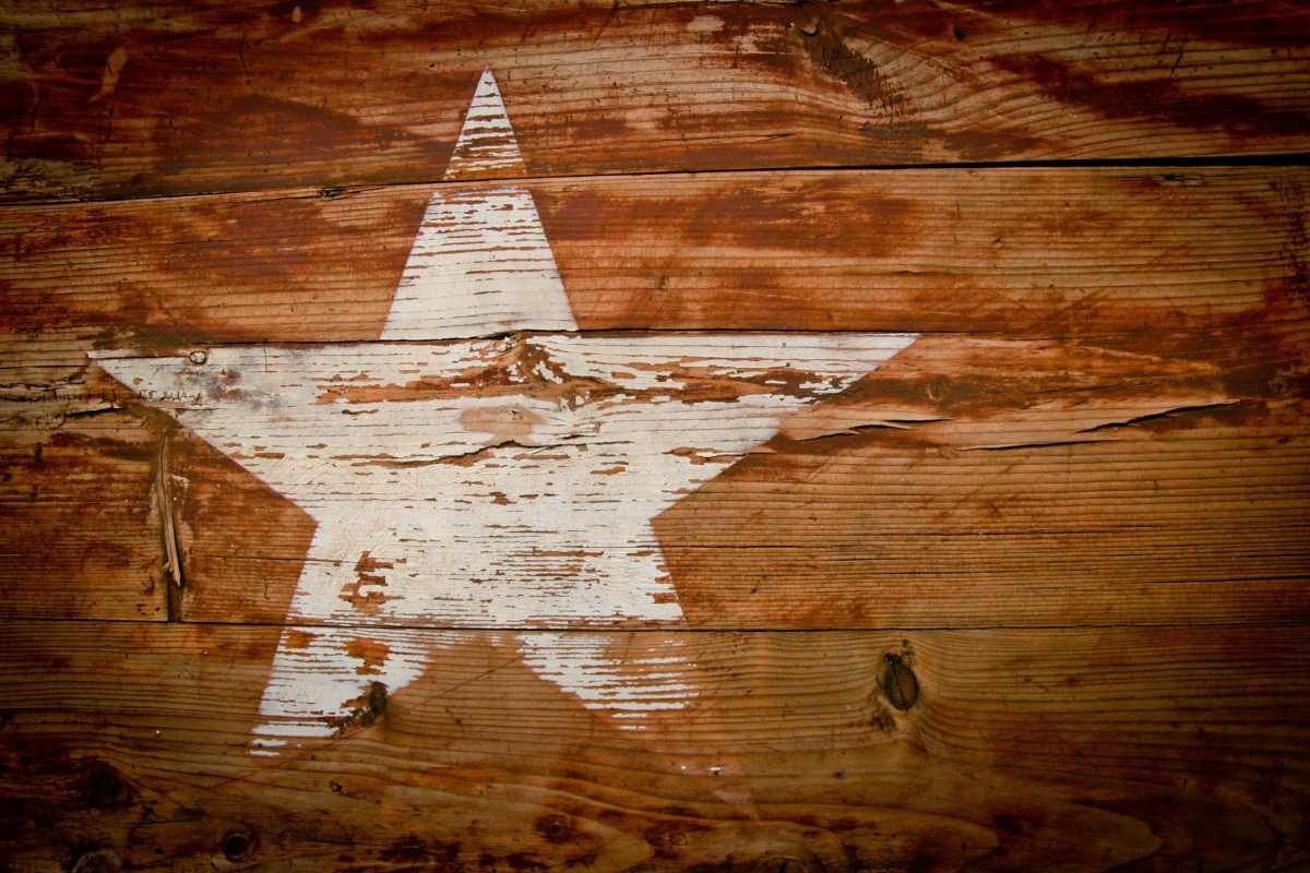 Faded Lone Star on Wood